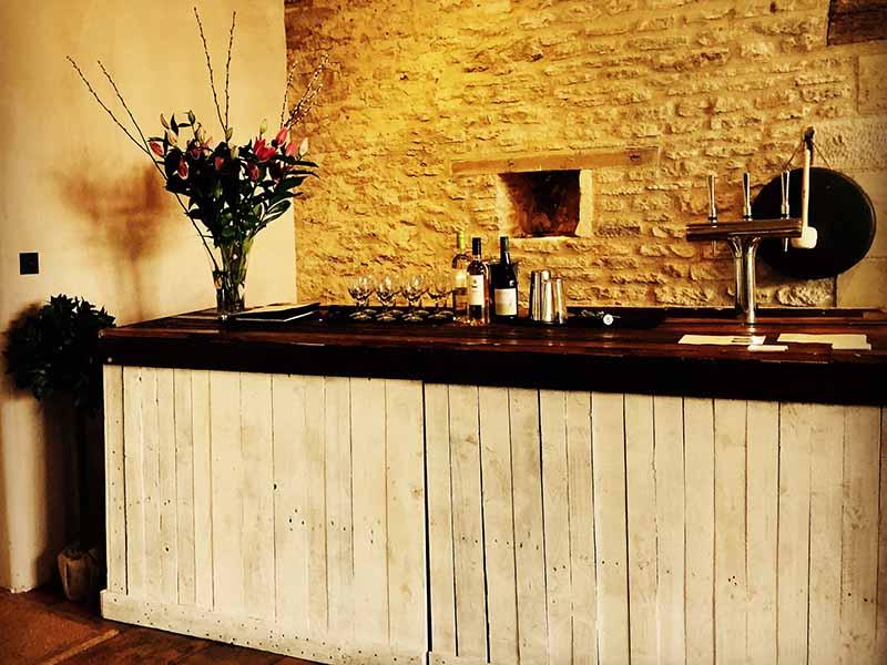 7. Vintage Bar